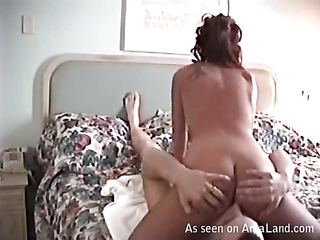 Beauty rides up dick of her boyfriend and brink on level with fast
