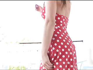 Chick undresses and starts playing with her dildo on camera