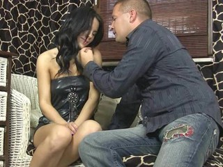 Youthful virgin shows the brush tender pink muff for the livecam