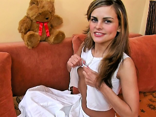 Innocent hot teenie knockout posing and levelling disrespectful