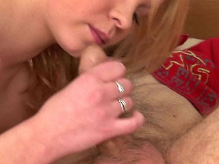 Bewitching peaches juvenile host deep blowjob together with penetrating