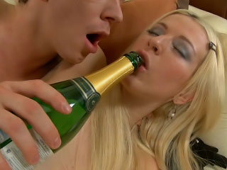 Comme ci cosset gets pussy licked plus irritant fucked by a hard weasel words